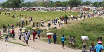 Dajabon market on the border of Haiti and the Dominican Republic. Spaces like these on the border bring women and young girls into contact with potential human traffickers and other forms of violence. http://www.progressio.org.uk/blog/ground/haitidr-strengthening-ties-across-border